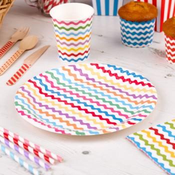 platos de papel multicolor